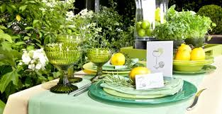 Dekoideen Spring Table Decorations Colorful Glasses Tableware Westwing
