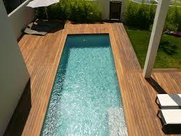 margelle piscine en bois aménagement de terrasse de piscine en bois exotique ipé visserie