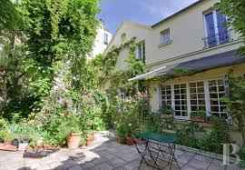 100 Centuryhouse A Tranquil 248 M 17th Century House And Its Landscaped Garden 200