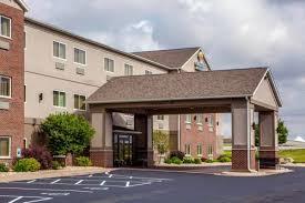Machine Shed Northwest Boulevard Davenport Ia by Comfort Inn U0026 Suites Davenport Davenport Ia United States
