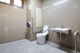 badezimmer für senioren und behinderte wurde neu gebaut und wurde nicht genutzt