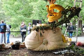 Largest Pumpkin Ever Carved by World U0027s Biggest Pumpkin Carved Into Creepy Carnivorous Plant By