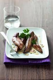 cuisiner les aiguillettes de canard recette aiguillettes de canard au poivre vert larousse cuisine