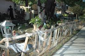 Halloween Graveyard Fence by Halloween Contest Winners Announced Myburbank Com