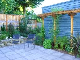 Backyard Decorating Ideas Pinterest by Decorations Small Backyard Decorating Ideas On A Budget Small