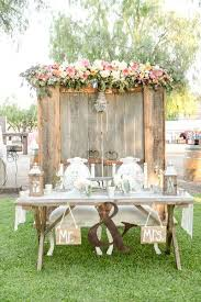 Rustic Wedding Idea For Sweetheart Table