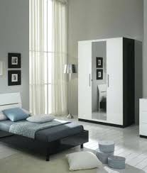 commode chambre à coucher chambre a coucher blanc laque a pas mauve commode chambre coucher