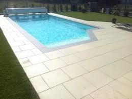 margelle piscine en bois avantage des margelles de piscine