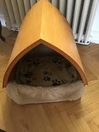 geschreinerte hundehütte fürs wohnzimmer