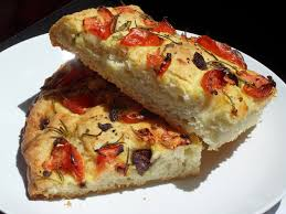 diana s cook focaccia aux tomates fraîches aux olives au