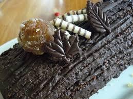 comment decorer une buche de noel bûche de noël aux marrons et aux poires les délices de fybule