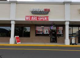 uBreakiFix Brookfield CT Store 5