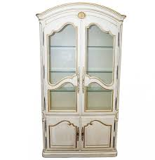 Henredon Breakfront China Cabinet by Henredon French Provincial China Cabinet Ebth