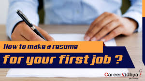 How To Write An Enticing CV For Your First Job - Career Blogs