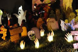 Outdoor Halloween Decorations 2017 by Simple Outdoor Halloween Decoration Ideas Featuring Diy White