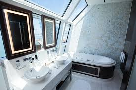 Sinking In The Bathtub 1930 by 6 Best Cruise Ship Bathrooms Cruise Critic