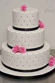 Detail Cake Topper Wedding Cake with Black and Hot Pink