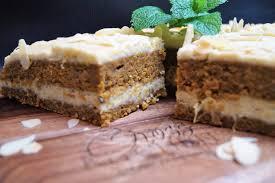 kürbis möhren torte mit cashew orangen creme