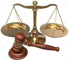 cabinet d avocat échelle et marteau comme des symboles de cabinet d avocats avocat