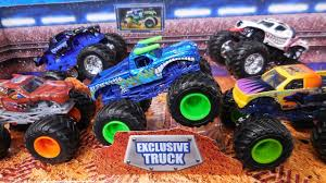 2018 Monster Jam Smash Up Stadium 5 Pack With Exclusive El Toro Loco ...