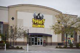 Spirit Halloween Closing Time by Closings Of Big Chain Stores Leave Glut Of Retail Space What U0027s