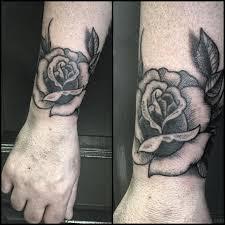 80 Lovable Flower Tattoos For Wrist