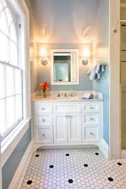 hexagonal tile became popular during the 1920s and 1930s in