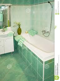 grünes bad stockfoto bild badezimmer dusche
