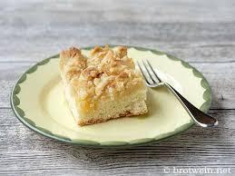 apfelkuchen mit streusel und hefeteig vom blech brotwein