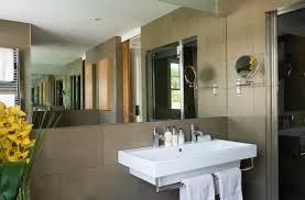 l aménagement d une salle de bains pour une personne handicapée