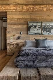 holzwände im schlafzimmer tolle ideen mit rustikalem touch