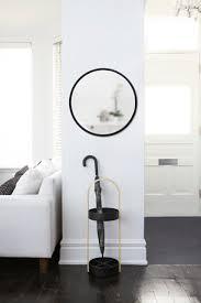 wandspiegel hub spiegel rund schwarz 61 cm umbra glücksgriff kassel