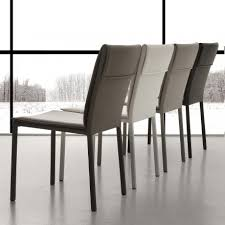 stühle in modernem design aus leder oder stoff made in italy