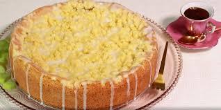 rhabarber blechkuchen mit pudding und streusel
