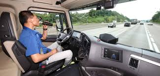 100 Hyundai Truck Undertakes First South Korea Highway Journey With An