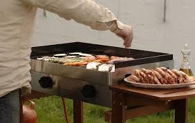 barbecue a la plancha bien choisir barbecue webdistrib
