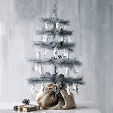 10 Modern Christmas Tree Alternatives