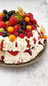 pavlova torte baiser torte