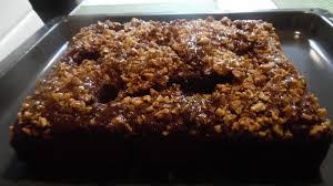 schoko kuchen mit versunkenen birnen