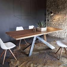 table design rectangulaire en bois massif et méta industriel