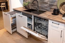 nolte weiße zweizeilige küche mit tisch küchenbörse immer