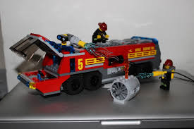 LEGO Airport Fire Truck REVIEW | Truthfulnerd
