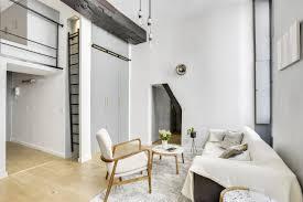 un mini loft dans le marais modern wohnzimmer