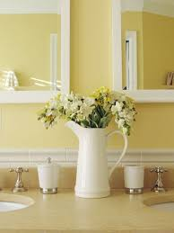 Guest Bathroom Decor Ideas Pinterest by Best 25 Yellow Bathroom Decor Ideas On Pinterest Diy Yellow