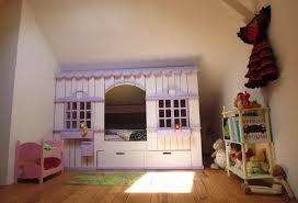 cabane dans la chambre lit cabane mini house pour fille et garçon abramacabane