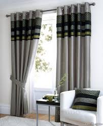 living room light greying room curtain with black and green