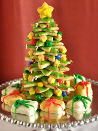 Christmas Tree Meringues Cookies by Christmas Tree Shaped Appetizers And Desserts Creative Holiday