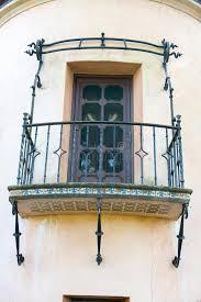 chambre en espagnol balcon espagnol de chambre d architecture de style image stock
