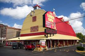 A Weekend Away In Pigeon Forge Pigeon Foegatlinburg The Comedy Barn Forge Tn Youtube Theater Things To Do 2016 On Road With Bloomers And Drawers Gatlinburg Midnight Parade Great Smoky Mountain Tennessee Dinner Show Tickets Eertainment Reviews Roadtirement Barns Critter In Ppare Laugh Pionforge Best Things