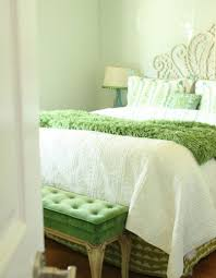 Fresh And Relaxing Green Bedroom Designs Ideas